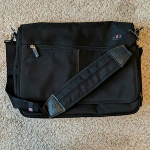 Swiss army victorinox shoulder laptop bag